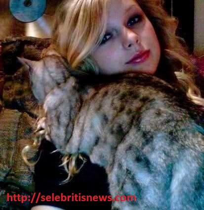 Taylorswift-n-her-pet